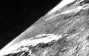 English: The first photos taken from space wer...