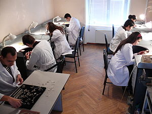 English: Khazar University jewelry arts class ...